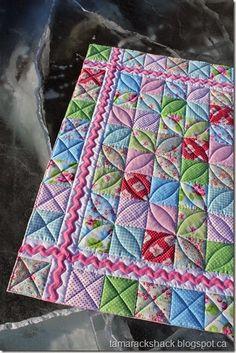 Cora Quilt @ Tamarachshack - I love the design and the stitching . - Cora Quilt @ Tamarachshack – I love the design and the stitching … – Cora Quil - Colchas Quilting, Machine Quilting Patterns, Baby Quilt Patterns, Quilt Stitching, Free Motion Quilting, Quilting Projects, Quilting Ideas, Hand Quilting Designs, Baby Quilt Tutorials