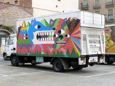 Barcelona Street Art | art cars