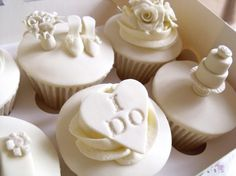 Image from http://www.goodcupcakes.com/wp-content/uploads/215188_139972106086284_7110919_n-612x458.jpg.
