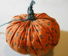 This is a guide about making fabric pumpkins. If you like crafting with fabric, this is a fun project for the holidays.