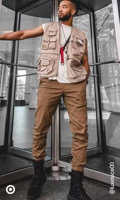 Black Men Street Fashion, Men Fashion, Streetwear Fashion, Streetwear Men, Stylish Mens Outfits, Mens Joggers, Well Dressed Men, Mens Clothing Styles, Good Looking Men