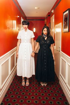 Once upon a time, old-school glam and Aspen chic fell in love, moved to FiDi, and gave birth to a high-ceilinged, leather-tufted hotel. The Shinning Twins, Lower Manhattan, Getting Cozy, New Series, Old School, High Fashion, Chill, Nyc, Shirt Dress