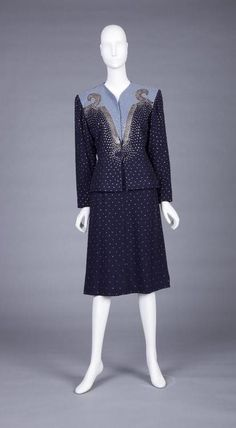 Fred a block suit, collection goldstein museum, mn 1940s Dresses, Vintage Dresses, Vintage Clothing, Retro Outfits, Vintage Style Outfits, 1940s Fashion, Vintage Fashion, Vintage Beauty, Witch Fashion