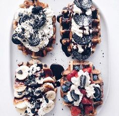 I definitely have to top my waffles with more fruit, cookies, and whip cream now! I Love Food, Good Food, Yummy Food, Kreative Desserts, Food Goals, Aesthetic Food, Food Cravings, Sweet Recipes, Sweet Treats