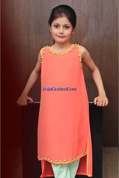 B Eid kids Collection and ready to wear collection is pretty awesome for kids. Mostly for baby girls they will look like little angels and princes by Girls Casual Dresses, Cat Dresses, Little Girl Dresses, Doll Dresses, Kids Frocks, Frocks For Girls, Girls Party Dress, Baby Dress, Little Girl Fashion