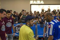 El partido contó con unos árbitros de excepción: los actores Xosé A. Touriñán y Marcos Pereiro #Depor #Deportivo #OsNosos
