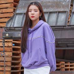 """2019 FW """"Soul Full of Andar"""" Collection Kpop Girl Groups, Korean Girl Groups, Kpop Girls, Homo, New Girl, South Korean Girls, K Pop, Cool Girl, Rain Jacket"""
