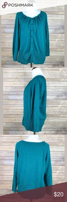 Joseph A Women's Green Button Cardigan Joseph A Women's Green Button Cardigan Knit Long Sleeve SZ L  EUC- no holes, rips or stains  Measurements are approximate:  24 inches long-laying flat & not stretched 19 inches armpit to armpit- Laying flat & not stretched Joseph A. Sweaters Cardigans