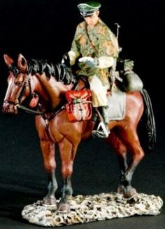 World War II German Winter SS009A Cavalry Winter 1945 - Made by Thomas Gunn Military Miniatures and Models. Factory made, hand assembled, painted and boxed in a padded decorative box. Excellent gift for the enthusiast.