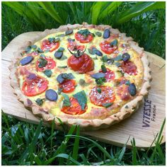Tartã cu brânzã, rosii, busuioc si seminte Healthy Desserts For Kids, Healthy Kids, Healthy Recipes, Baking Bad, Toddler Meals, Toddler Food, Pepperoni, Baby Food Recipes, Quiche