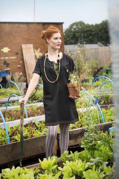 Gudrun Sjödéns Sommerkollektion 2014 - Gudruns schlichte Tunika ( http://www.gudrunsjoeden.de/mode/produkte/blusen-tuniken ) können Sie entweder als Kleid oder mit einer Hose drunter tragen.