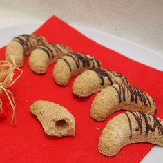 Christmas Cookies, Desserts, Food, Xmas Cookies, Tailgate Desserts, Deserts, Christmas Crack, Christmas Biscuits, Essen