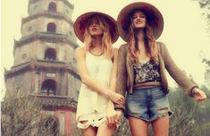 For its March 2012 catalog, Free People has continued its round-the-world journey, this time heading to Vietnam. With models Martha Hunt and Michele Ouellette on hand, the Free People team traveled up the coast of the Southeast Asian country. Mode Hippie, Hippie Style, Bohemian Style, Hippie Boho, My Style, Gypsy Style, Boho Gypsy, Festival Style, Festival Fashion