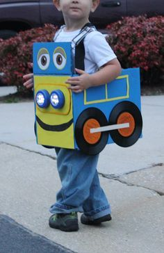 DIY Halloween Costume: Brewster - Chuggington - Disney Jr.  Less than $5 to make: painted box, lights from Dollar store, old records, printed out eyes.