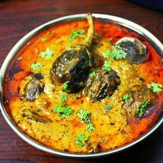 Brinjal Recipes Indian, Indian Veg Recipes, Veg Gravy Recipe Indian, Indian Eggplant Recipes, Veg Curry, Vegetarian Curry, Masala Curry, Vegetarian Cooking, Baigan Recipes