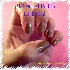 Hoy un poco de #NailArt de andar por casa en el #blog Muy fácil! Os animáis?  http://marialtacosmetica.blogspot.com.es