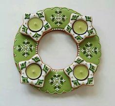 Vánoční • porcelánový svícen Gingerbread Cookies, Christmas Cookies, Ginger Bread, Biscuit Cookies, Sugar Art, Border Design, Just Desserts, Cookie Decorating, Advent