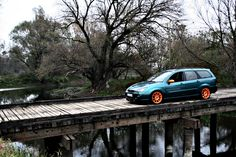 Ford Focus mk1 on the wooden bridge, TN1 orange rims!