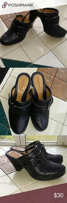 Women's Kohl's sole sense ability size 7.5 Women's kohl's sole sense ability size 7.5 Like new, black heeled mules with buckle. Kohl's Shoes Mules & Clogs