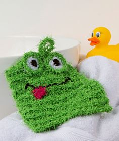 Froggy Scrubby - Knit this silly frog washcloth for kids' bath time. Or keep it at the kitchen sink to make dish washing easier and more fun. Simply throw in the washing machine to keep it fresh.