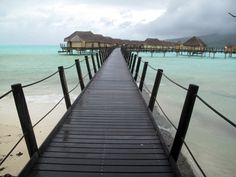 Honeymoon in Tahiti with huts over the water
