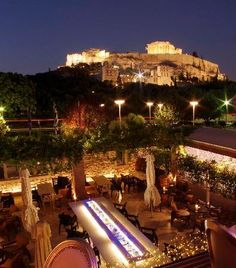 Dionysos Zonars Restaurant, Athens Greece Had dinner at this restaurant.Excellent food and gorgeous view of the Acropolis with the Parthenon lit at night. Athens By Night, My Athens, Athens Greece, Beautiful Places To Visit, Great Places, Places To Go, Parthenon, Acropolis, Greece Travel