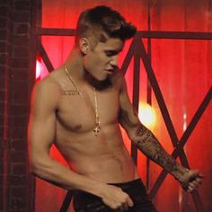 Justin Bieber Looks So Sexy On This Picture I Love It When He Does The Dick Moves...I Just Call It That