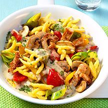 Spaetzle-chicken stir-fry Now cook Spätzle Chicken Pan in 20 and discover numerous other Weight Watchers recipes. Plats Weight Watchers, Weight Watchers Meals, Easy Cooking, Cooking Recipes, Healthy Recipes, World Food Programme, Chicken Recipes For Kids, Eat Smart, I Foods