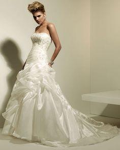 Dropped waist chapel train sleeveless organza elegant bridal gown