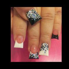 <3 acrylic nails..pretty extreme flares