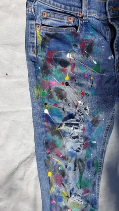 Anything But Boring: Fashion Experiment: Paint Splatter Jeans you guyz… DIY time! Anything But Boring: Fashion Experiment: Paint Splatter Jeans you guyz! Diy Jeans, Diy Clothes Jeans, Jeans Denim, Diy Clothing, Holey Jeans, Painted Jeans, Painted Clothes, Diy Clothes Paint, Jeans Hair Style