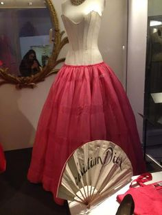 Fashion Exhibition - Victoria & Albert Museum (London)