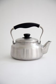 I'm a little teapot: short and stout, I look gorgeous and pour tea out...