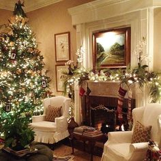 Old fashioned tree and simple mantle decorations create a classic, old-world Christmas atmosphere. #Christmas #Decorations #Indoor #ShermanFinancialGroup