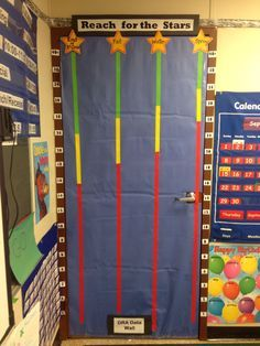 Tips For Being The Best Leader Possible Classroom Data Wall, Classroom Setup, Classroom Helpers, Future Classroom, Classroom Activities, Classroom Organization, Classroom Management, School Data Walls, Data Boards