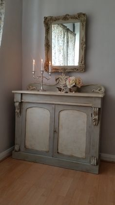 Shabby chic cabinet in Annie Sloan