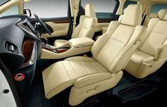 Tại Việt Nam , Toyota Innova 2016 đã trở thành quá lừng danh với người Việt Nam với doanh thu bán hàng hằng tháng luôn ở đầu bảng tổng sắp của thị trường ô tô Việt Nam phép từ năm 2006.