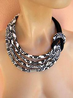 Blanco y negro conjunto de joyas collar de nudo tela lateral