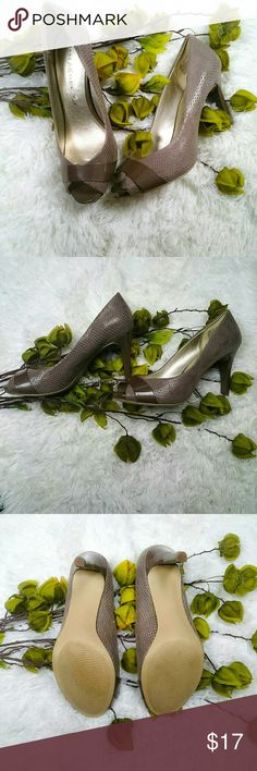 EUC Anne Klein beige snakeskin heels size 7.5 M Beautiful neutral beige, peeptoe heels with snakeskin texture.  These shoes have patent leather accents across the toes and on the heel.  There is a small scuffing on the inside the right foot as pictured.  Otherwise they are in excellent condition. Anne Klein Shoes Heels