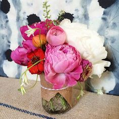 From budding florists to makers of pretty faux blooms, these 'grammers deliver endless arrangement inspiration