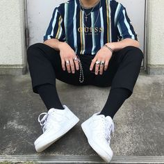 Outfit Ideas Discover 10 Best Casual Shirts For Men That Look Great! Throwback Outfits, Retro Outfits, Mode Outfits, Vintage Outfits, Fashion Outfits, Fashion Socks, Urban Outfits, Fashion Pants, Vintage Clothing