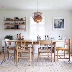 mi hogar escandinavo: ¡el inspirador hogar noruego de un cazador de diseño danés! Dining Room Design, Dining Area, Dining Table, Dining Rooms, Danish Furniture, Furniture Design, Vintage Furniture, Home Interior, Interior Architecture