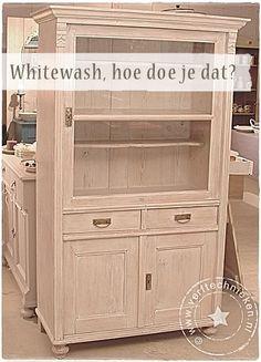 DIY whitewash - www. Diy Furniture Plans, Recycled Furniture, Refurbished Furniture, Paint Furniture, Furniture Decor, Furniture Refinishing, Diy Interior, Interior Paint, White Washed Furniture