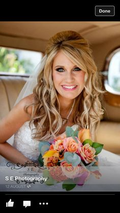 Half up half down hair - messy bangs Wedding Curls, Hairdo Wedding, Wedding Hair And Makeup, Bridal Hair, Hair Makeup, Wedding Beauty, Ball Hairstyles, Messy Hairstyles, Wedding Hairstyles