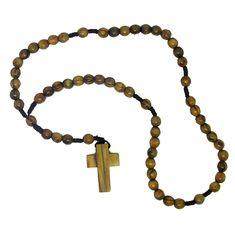 346316518cd Rosario elaborado con cuentas y cruz de madera de olivo de Tierra Santa.  38cm.