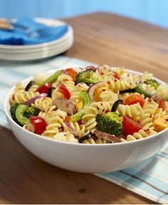 Healthy dinner recipes under 500 calories per mile 2 mile Salad Dressing Recipes, Healthy Salad Recipes, Feta, Healthy Pesto, Healthy Eating, Pasta Salad For Kids, Salads For A Crowd, Easy Vegetarian Lunch, Pasta Salad Italian
