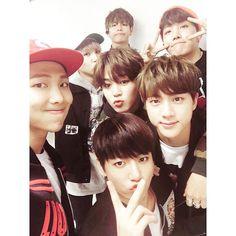 "BTS (방탄소년단) on Instagram: ""Official Twitter updates ✨"""