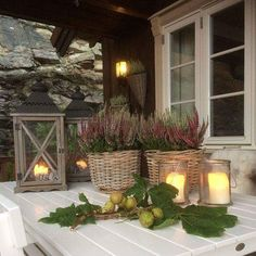 great ideas for decorating the porch in the fall - Dekoration Herbst - Candle Maker, Deco Floral, Outdoor Living, Outdoor Decor, Winter Garden, Autumn Home, Porch Decorating, Garden Inspiration, Home Deco