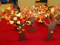 Valentine Tree, Valentino, Crafts For Kids, Thanksgiving, Fairy, Crafts For Children, Kids Arts And Crafts, Thanksgiving Tree, Kid Crafts