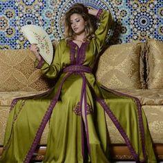 #ouima #model #fashion #fashnista #pocturs #shoot #dresses #maroocan #maroccandress #mekaup #beauty @anasessamlali  @massanosana by me